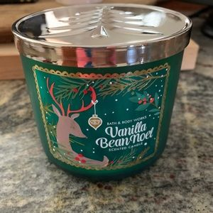 Bath and body Works Vanilla Bean Noel 3 Wick NEW